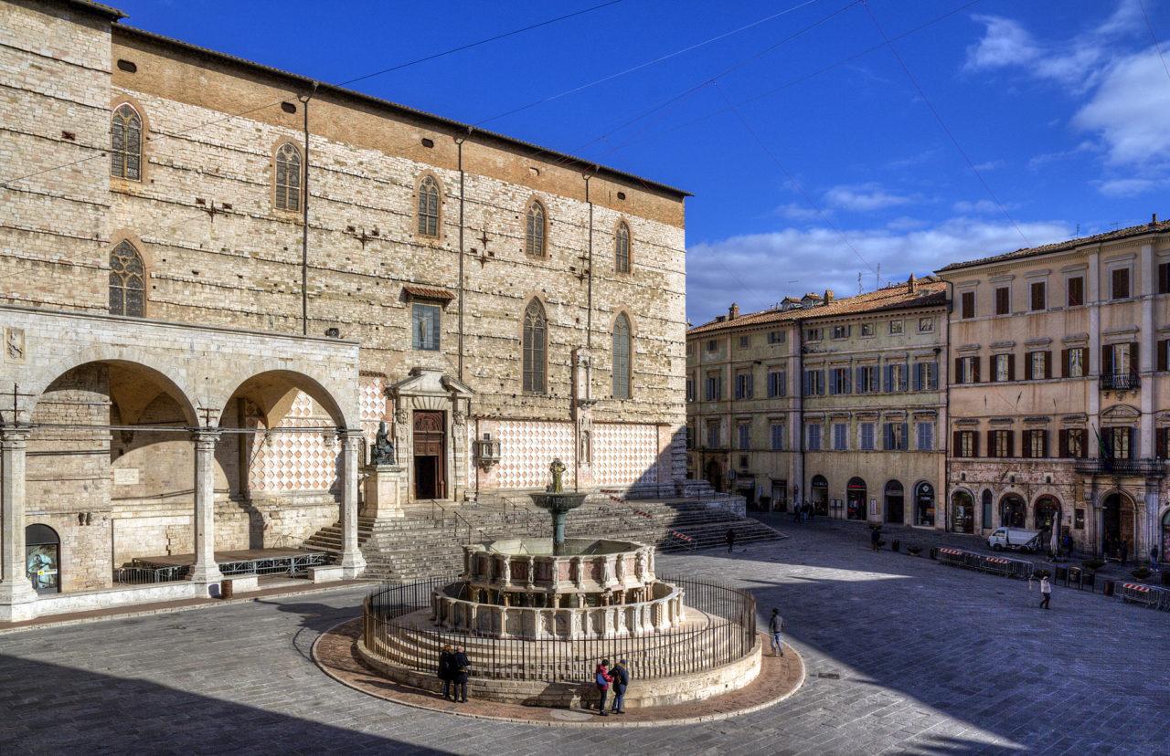 Площадь 4 ноября (Piazza IV Novembre)