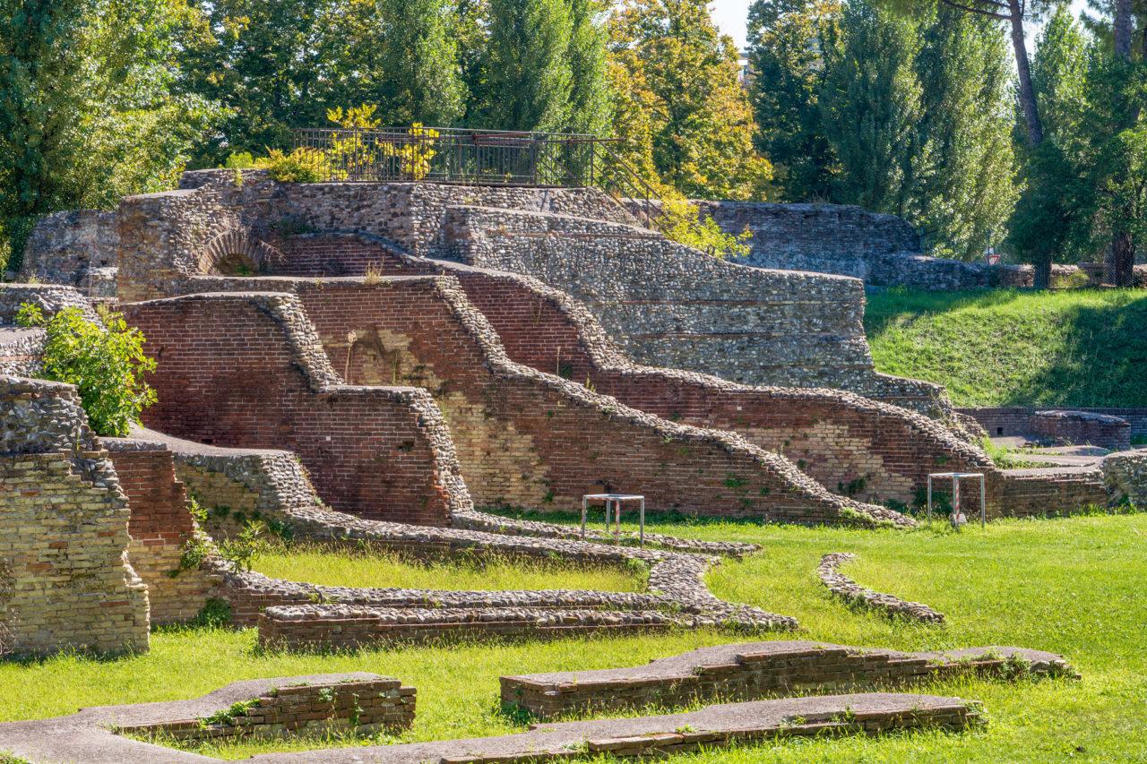 Римский амфитеатр (Anfiteatro romano)