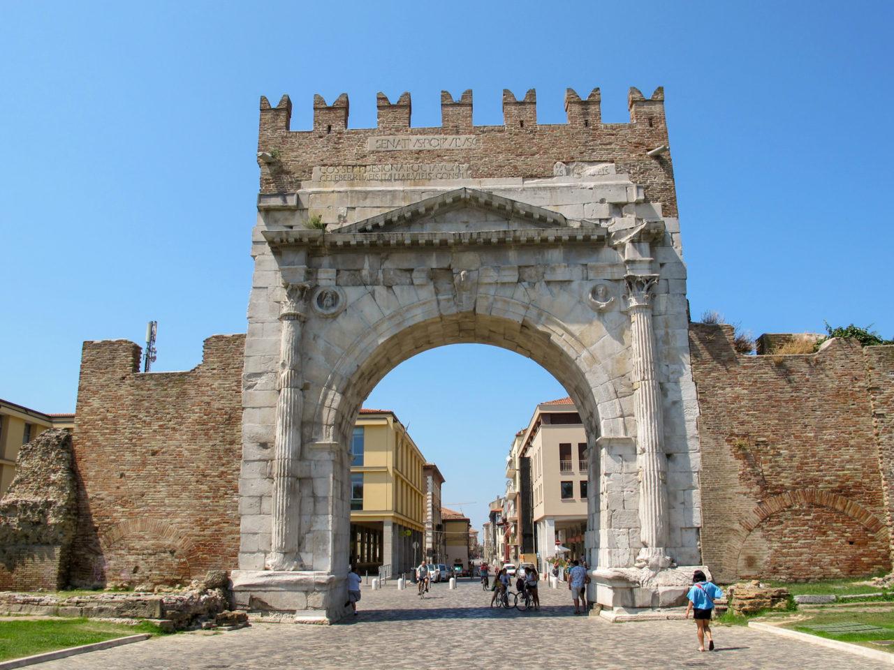 Арка Августа (Arco di Augusto)