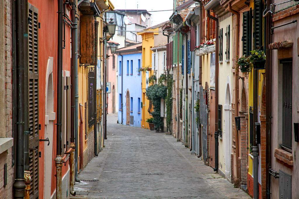 Старая улочка города