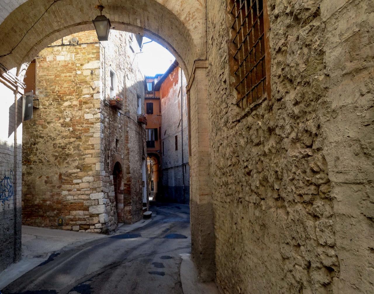 Крепость Рокка-Паолина (Rocca Paolina)