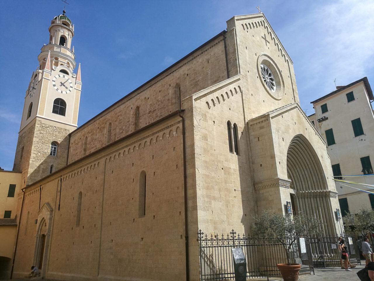Собор Сан-Сиро (Concattedrale di San Siro)