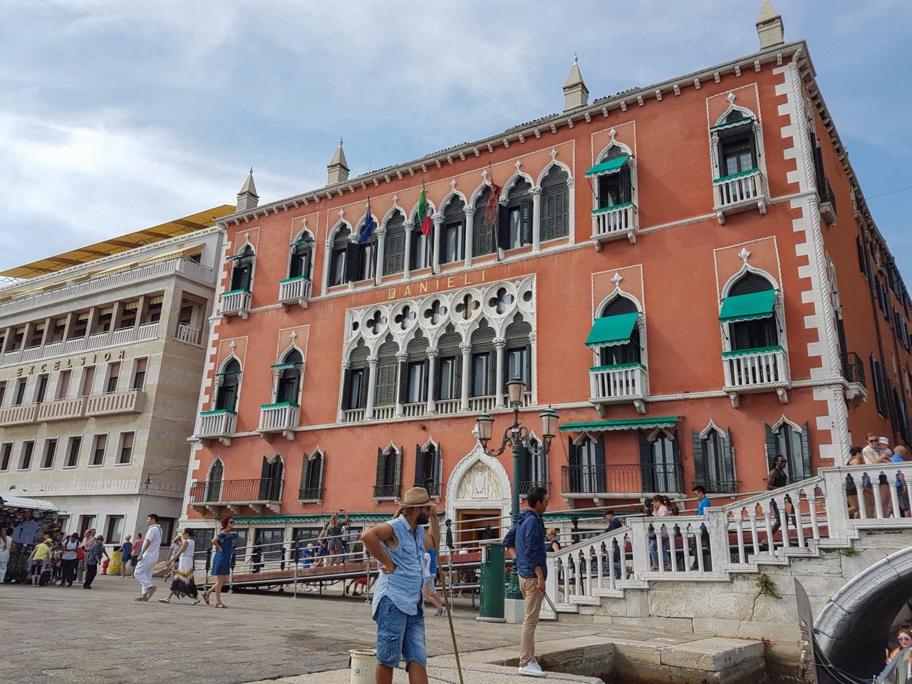Палаццо Дандоло (Palazzo Dandolo)