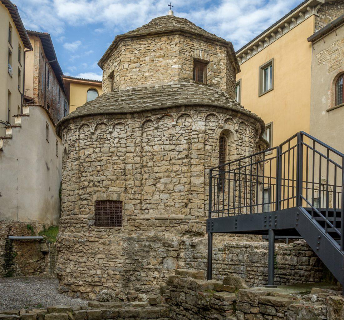 Часовня Святого Креста (Tempietto di Santa Croce)