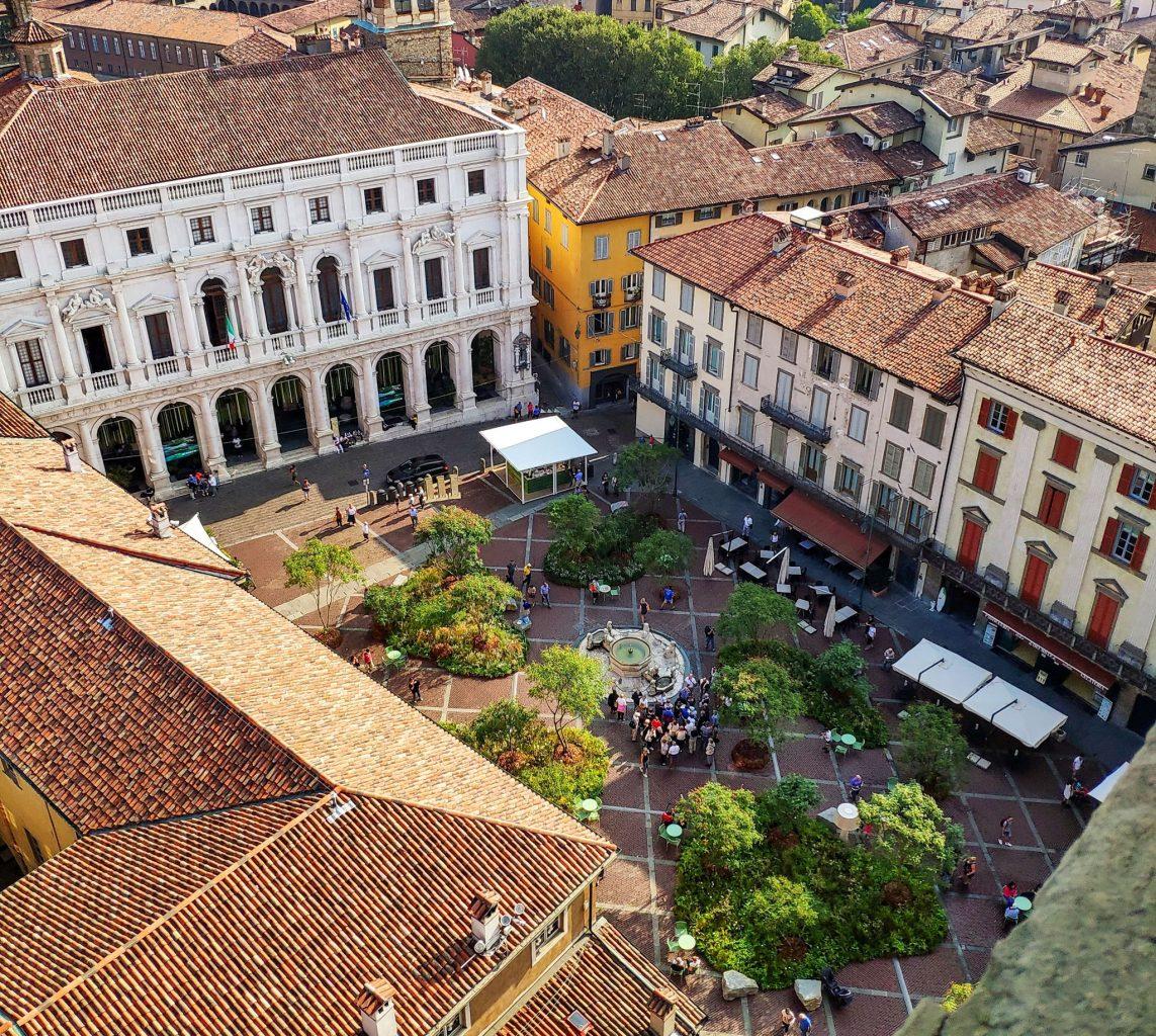 Старая площадь (Piazza Vecchia)