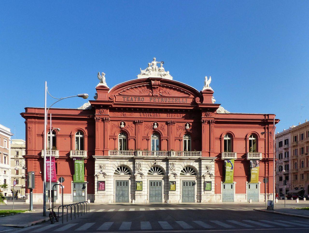 Театр Петруцелли (Teatro Petruzzelli)