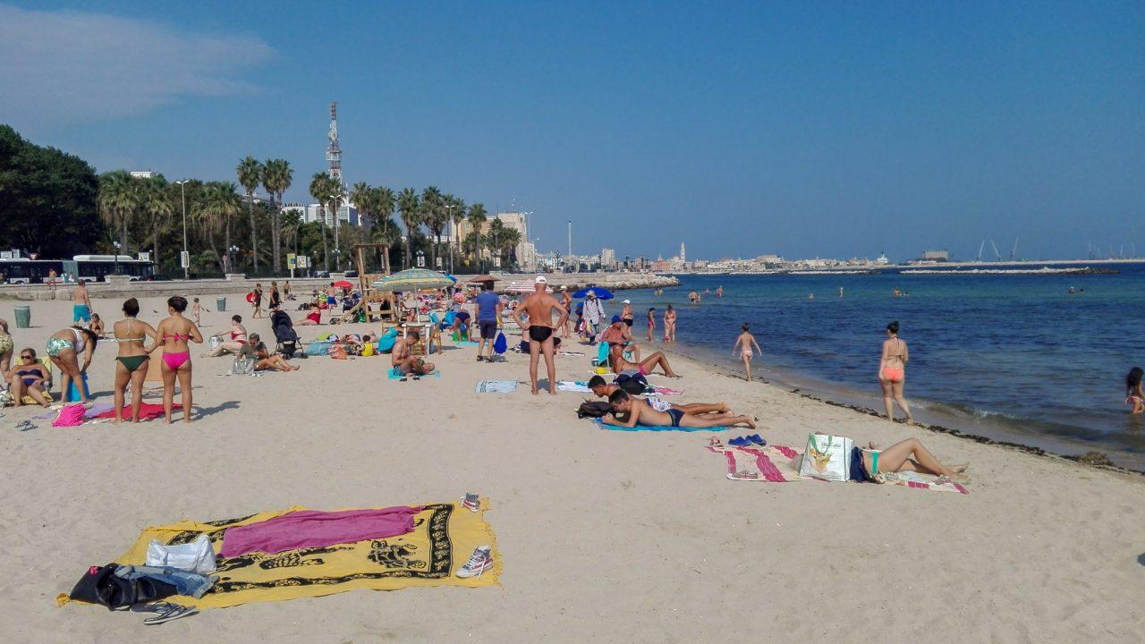 Городской пляж Pane e Pomodoro