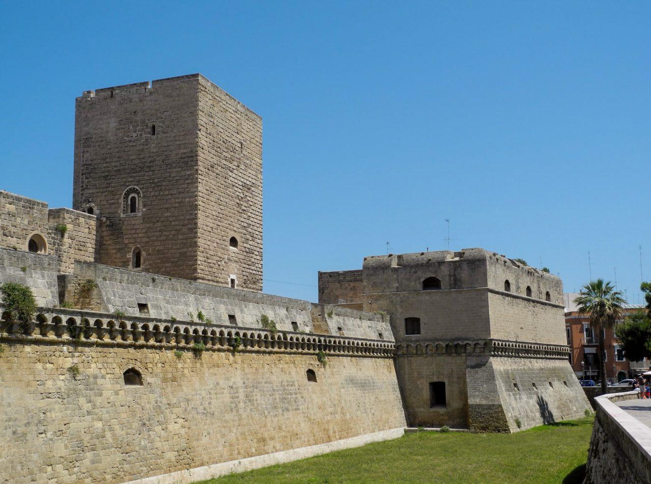 Средневековый замок Бари (Castello di Bari)